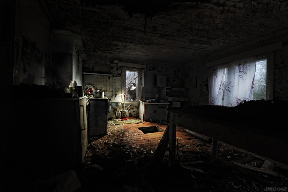 Abandoned - Not Forgotten by wchild