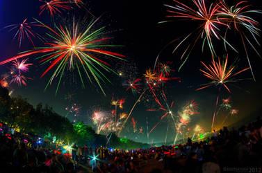 Kuta 2012 New Year Fireworks by SaiogaMan