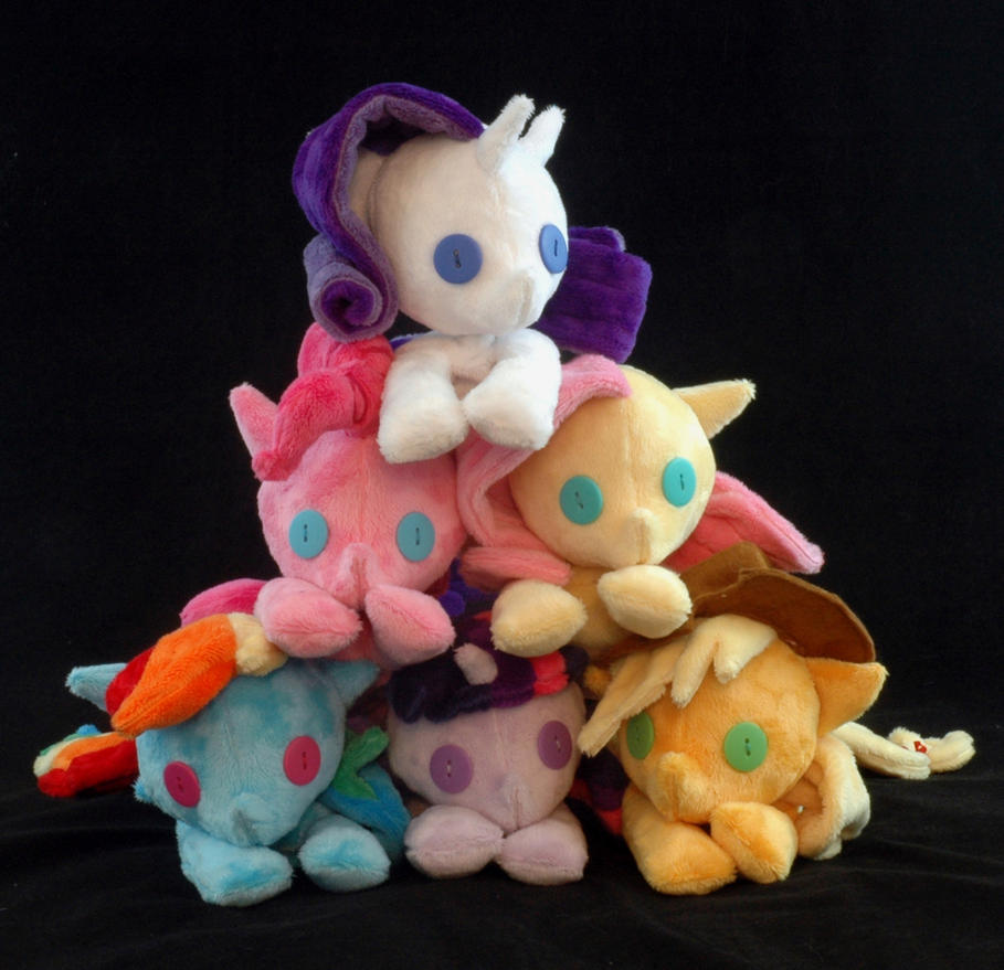 Pile o' Beanies: The Mane Six by WhiteHeather