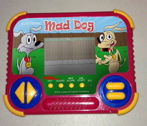 Mad Dog handheld game by Tiger Electronics