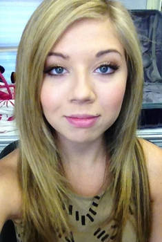 Jennette McCurdy Catches you off guard...