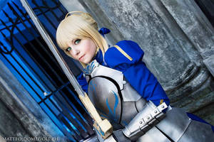 Saber - Fate/ Stay Night by Bexxin