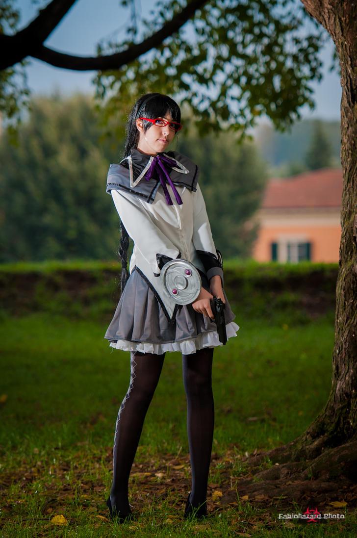 Akemi Homura by Cami86
