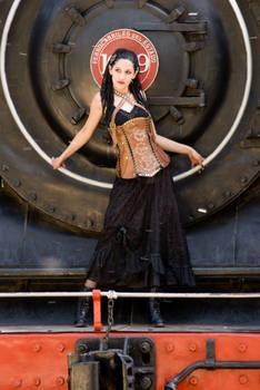 Leathercraft: Handmade leather corset.