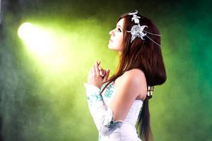 Praying Princess by GarnetTilAlexandros