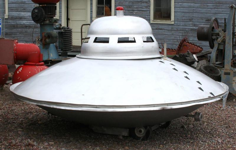 MoA Museum 447 Aliens by Falln-Stock