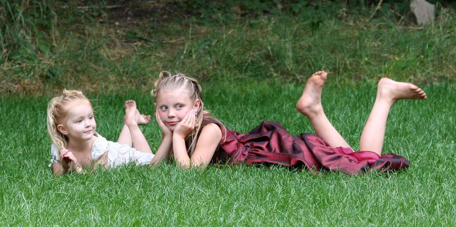 http://img15.deviantart.net/b93e/i/2012/204/f/5/girls_everywhere_66_by_falln_stock-d589t7u.jpg
