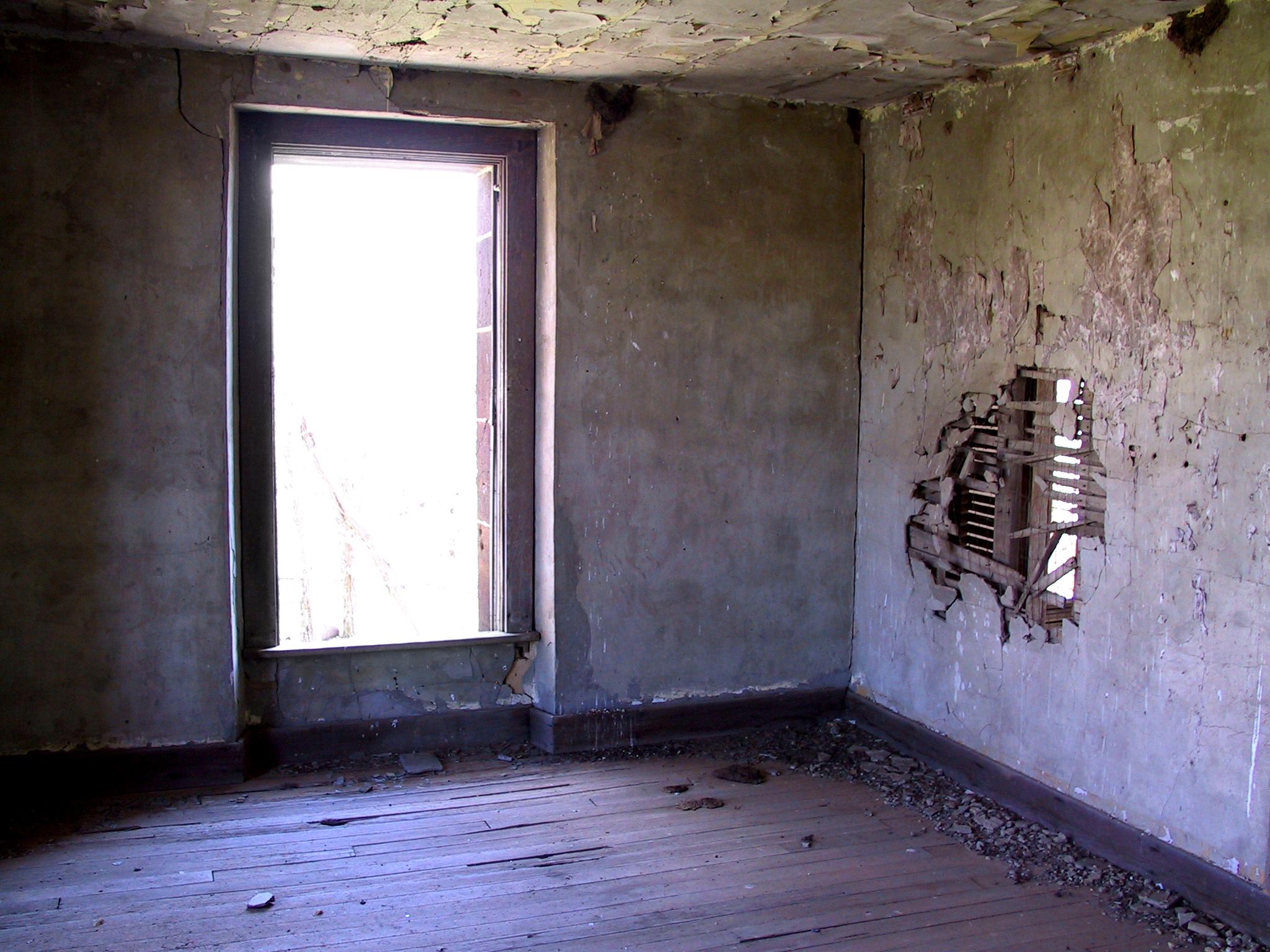 Abandoned Hotz Building 17
