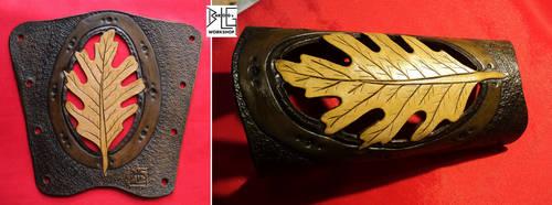Leather oak leaf armguard by barlogg