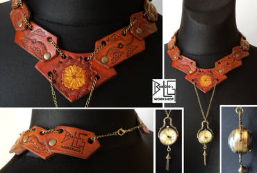 Leather necklace with a working clock