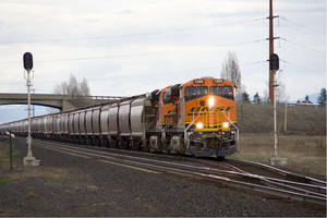 BNSF 7205 At Otis Orchards