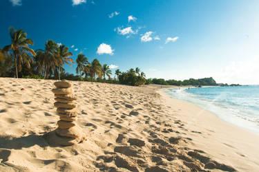 Happy Bay Beach by silverdragon
