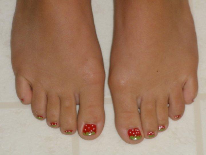 Nail Art Strawberry Toes By Bleachiepanda On Deviantart