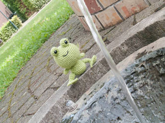 Amigurumi Frog by FireKylling