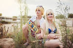 Lux and Ezreal Pool Party