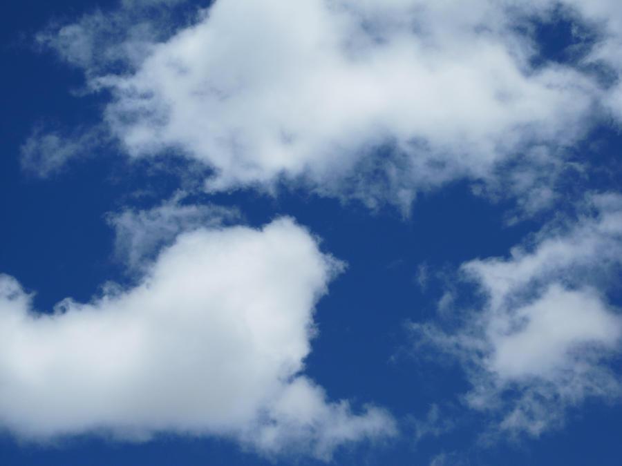 Bright Fluffy Clouds by shinigamisgem