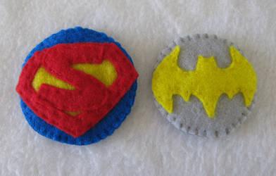 batgirl and superman hair clip