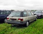Boxy Renault wagon