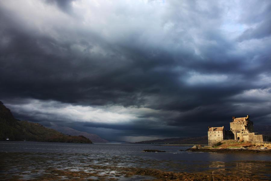 castle. by HarryMurdoch