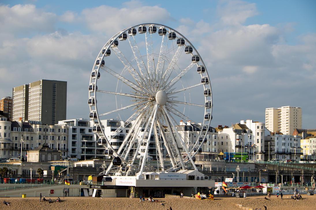 Brighton Pier by LunaticZorr