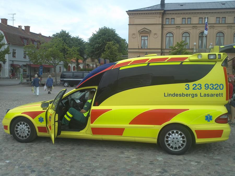 Swedish ambulance by EgonEagle