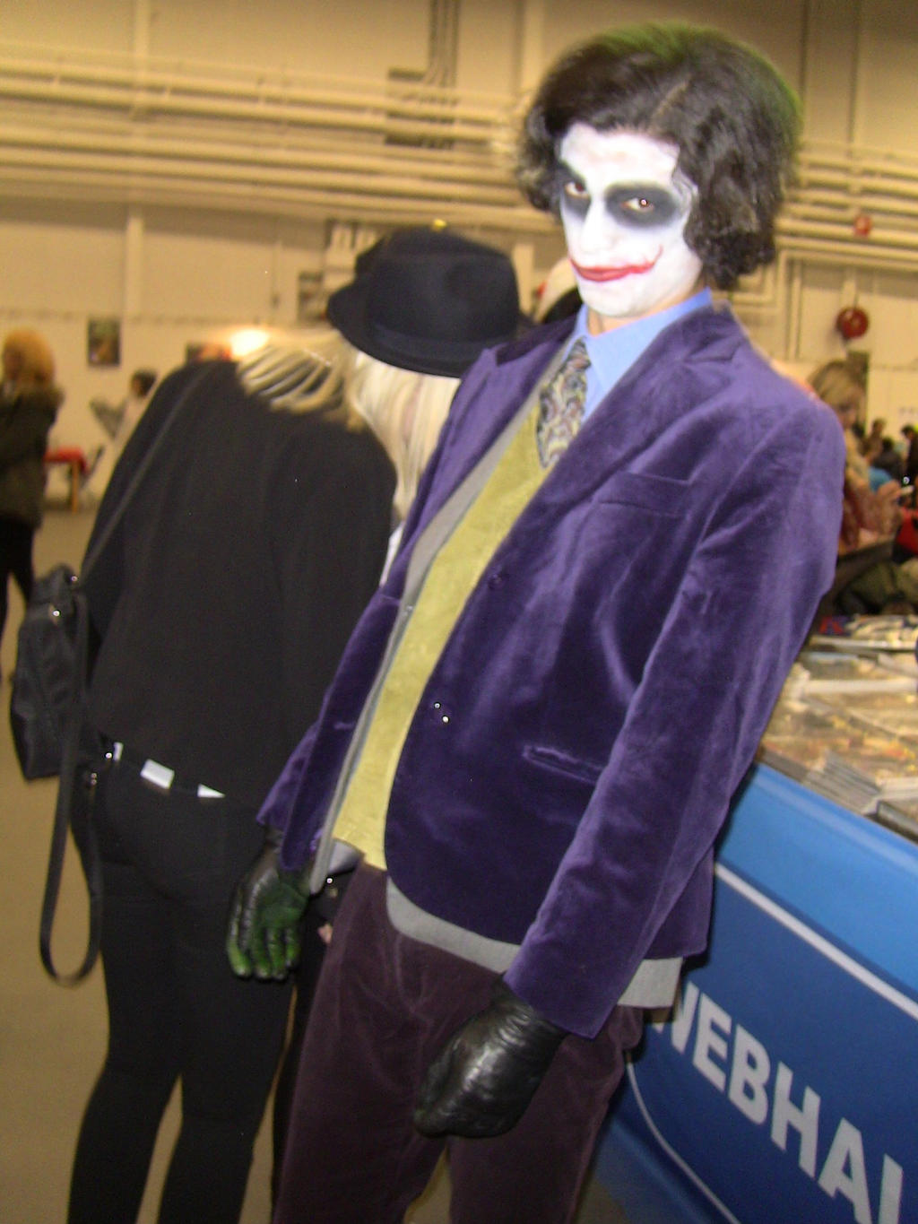 The Joker cosplay (The Dark Knight) by EgonEagle