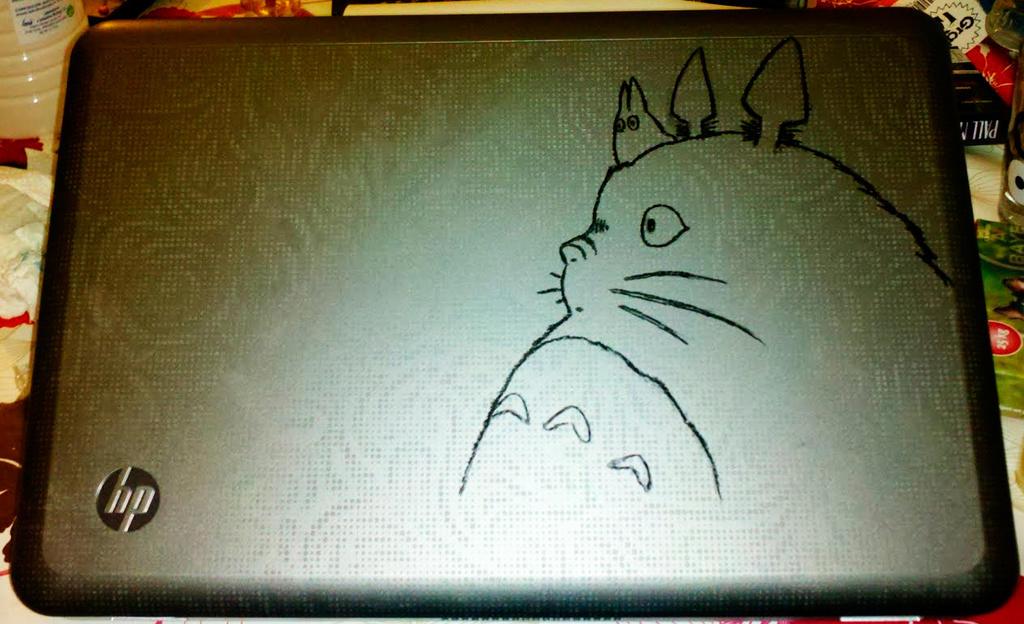 Totoro laptop custom by Syntetyc