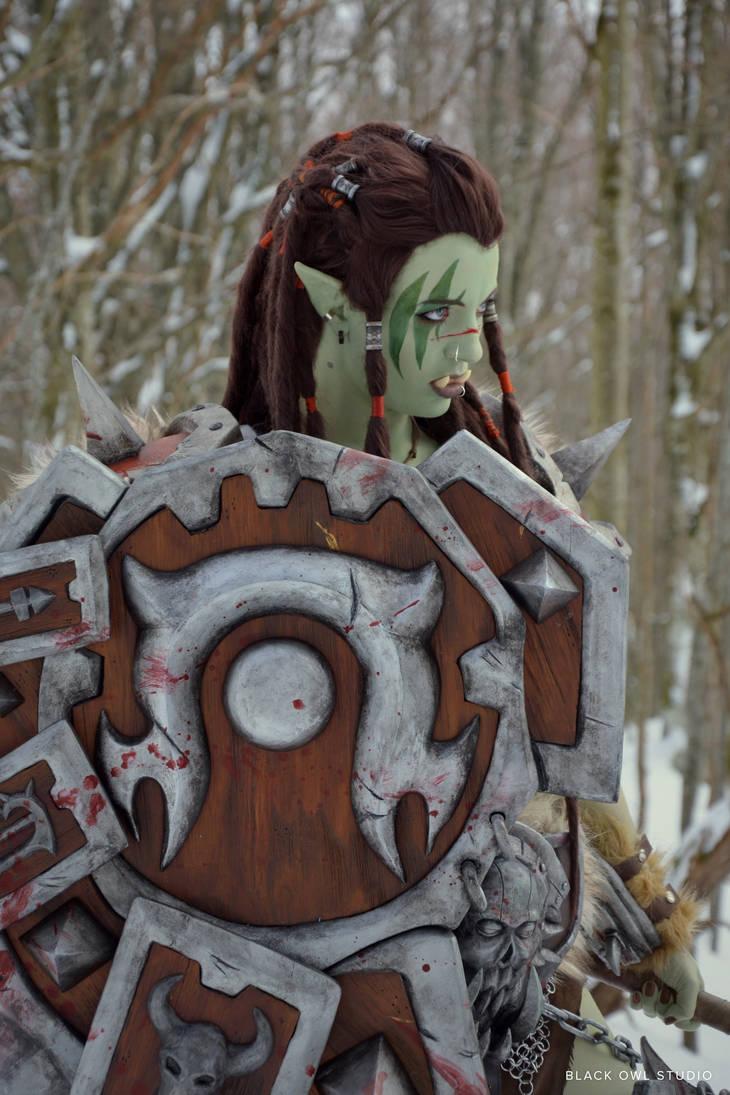 Warsong Commander: Winter Photoshoot 02 by BlackOwlStudio