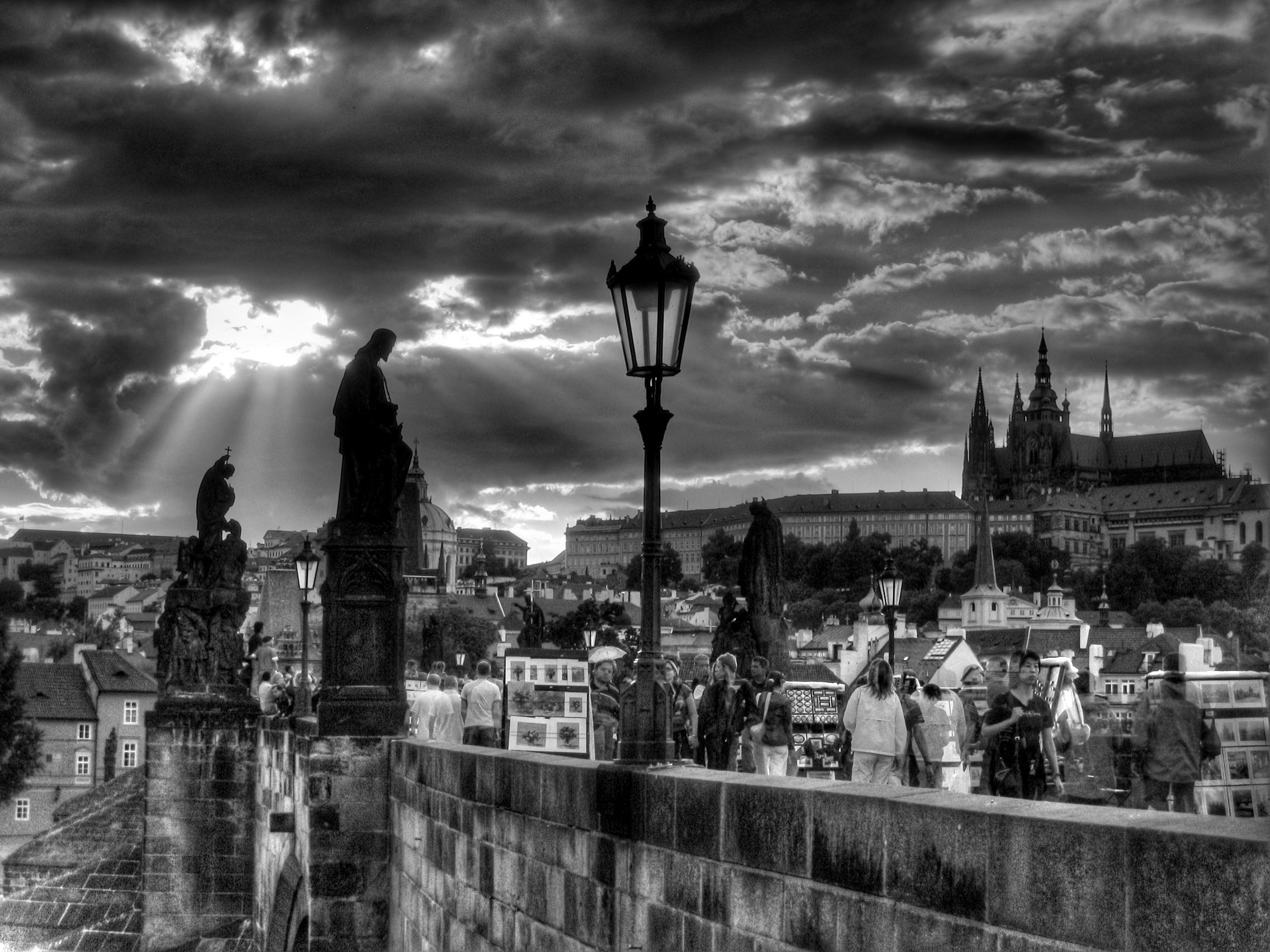 Dark Prague by ianian