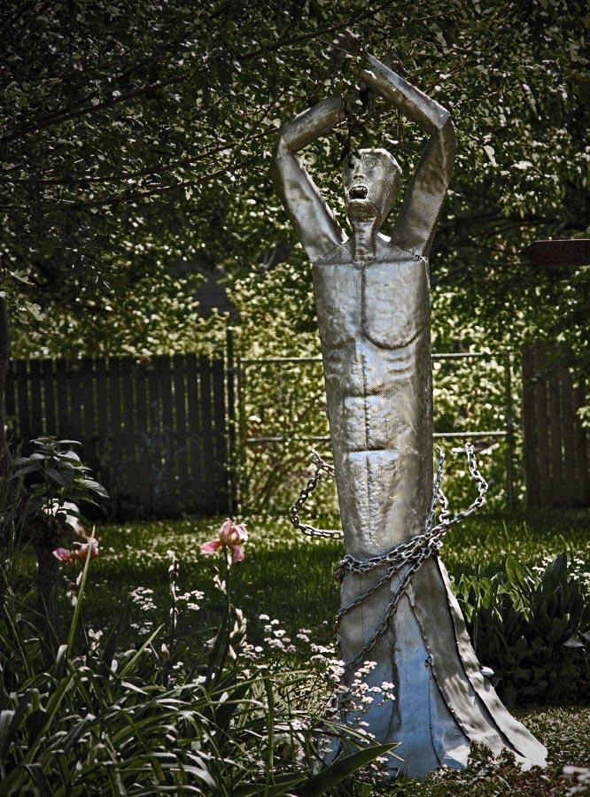 Scream in the Garden by boron