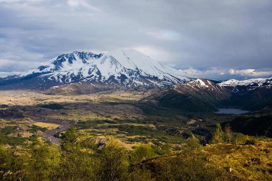 Mt. St. Helens II by adanielescu