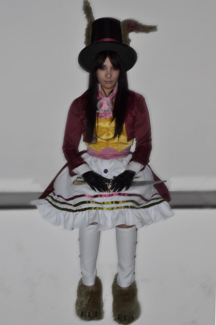 Alice Madness Late but Lucky Cosplay by Leuxdeluxe