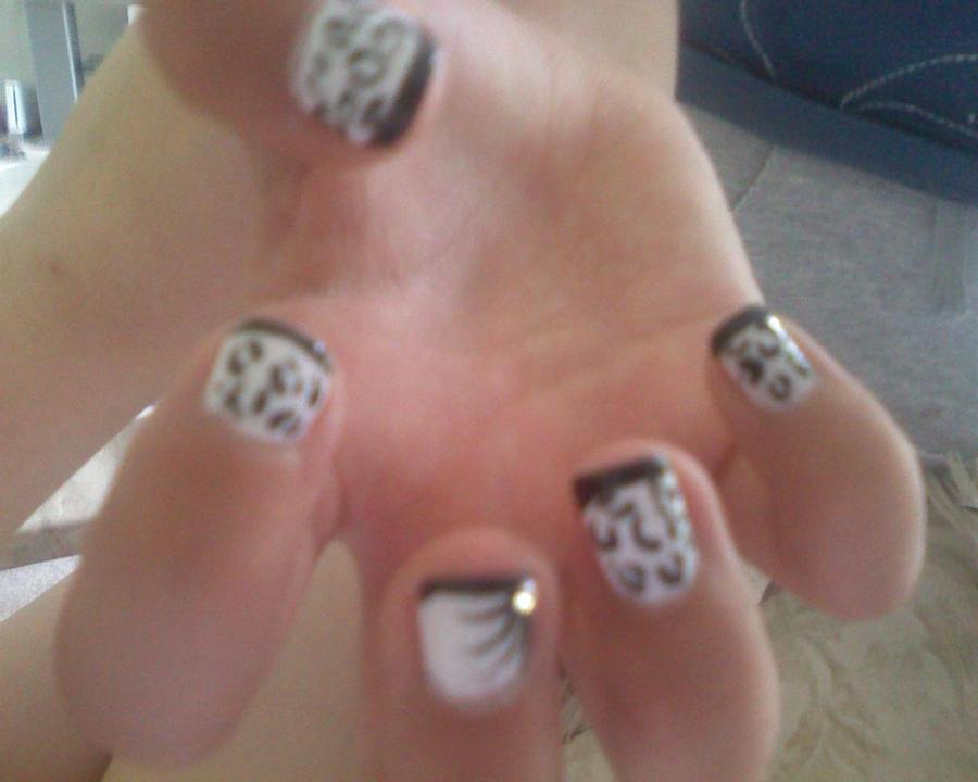 Snow Leopard Inspired Nails by briiannaaax