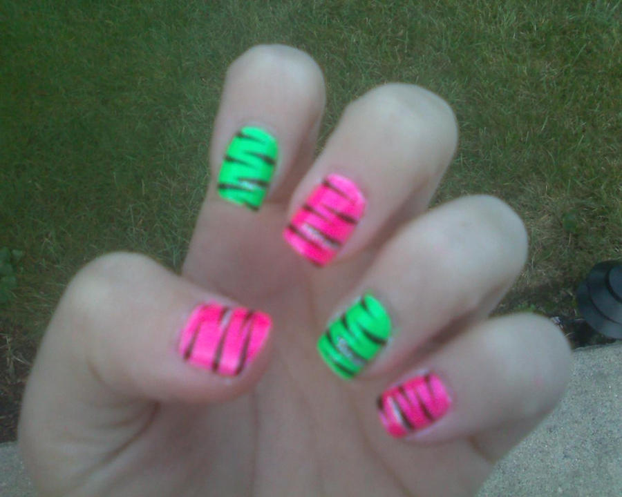 Neon Green and Pink Zebra Nail by briiannaaax on DeviantArt