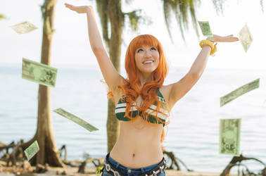 Nami: Beri money everywhere, One Piece Cosplay by firecloak