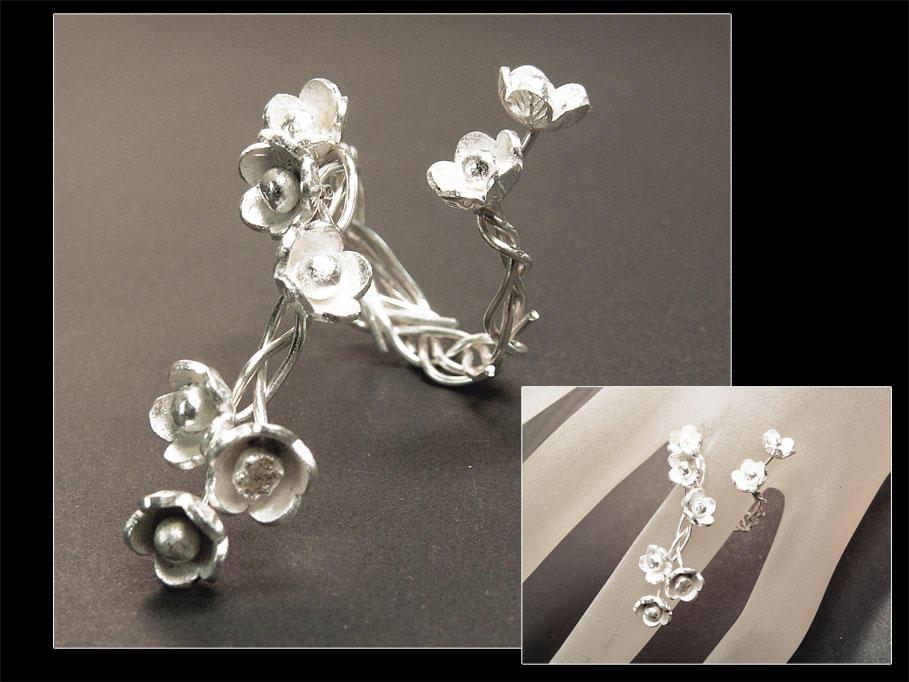 Sakura Ring by Klyph