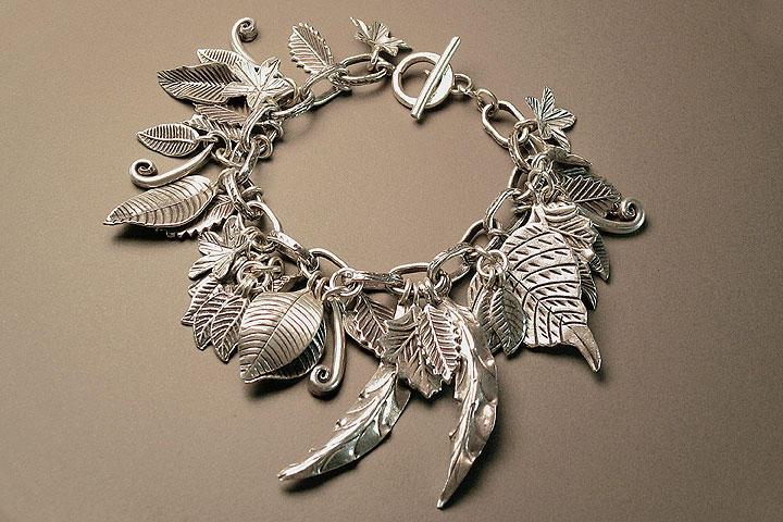 nakit -ukras ili umetnost Treasures_by_Klyph