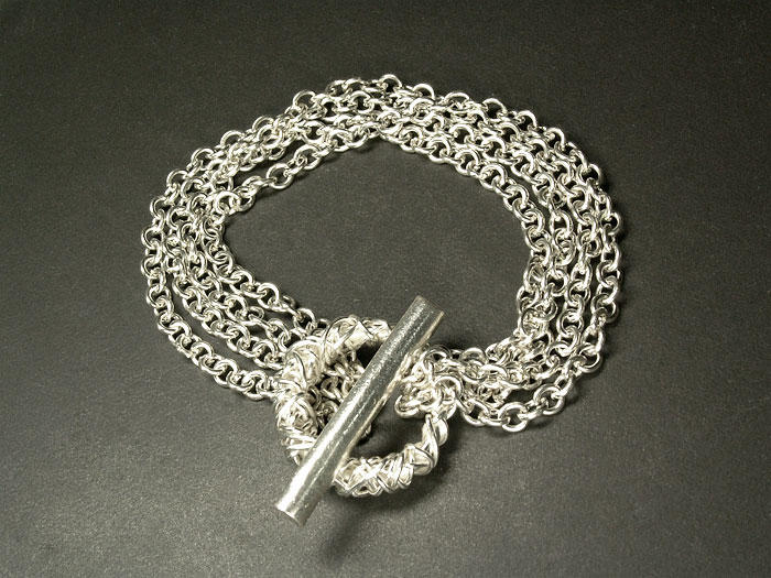 nakit -ukras ili umetnost Enchained___White_Silver_by_Klyph