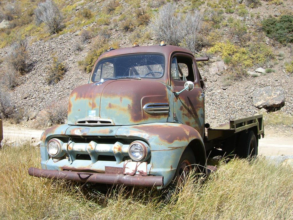 Old Truck by MensjeDeZeemeermin