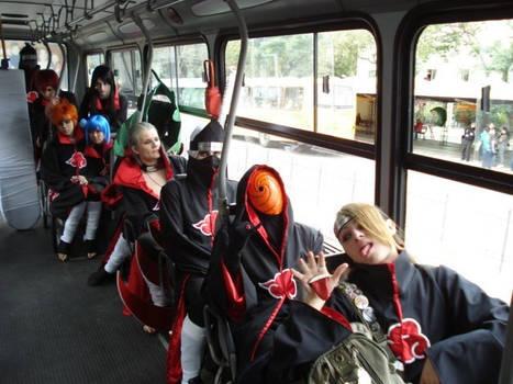 Akatsuki in bus