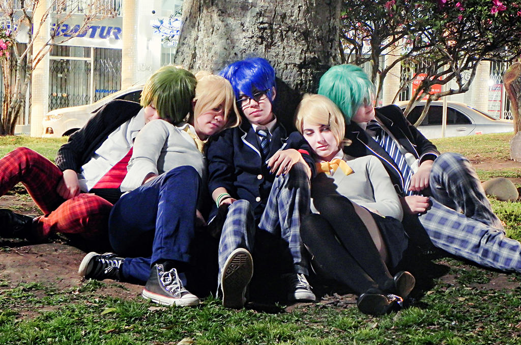 Resting together by niikura-sama