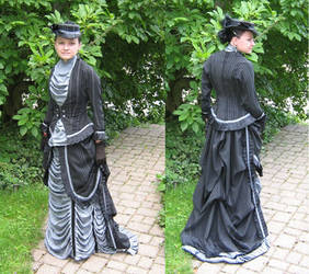 Victorian Natural Form Gown by Stahlrose