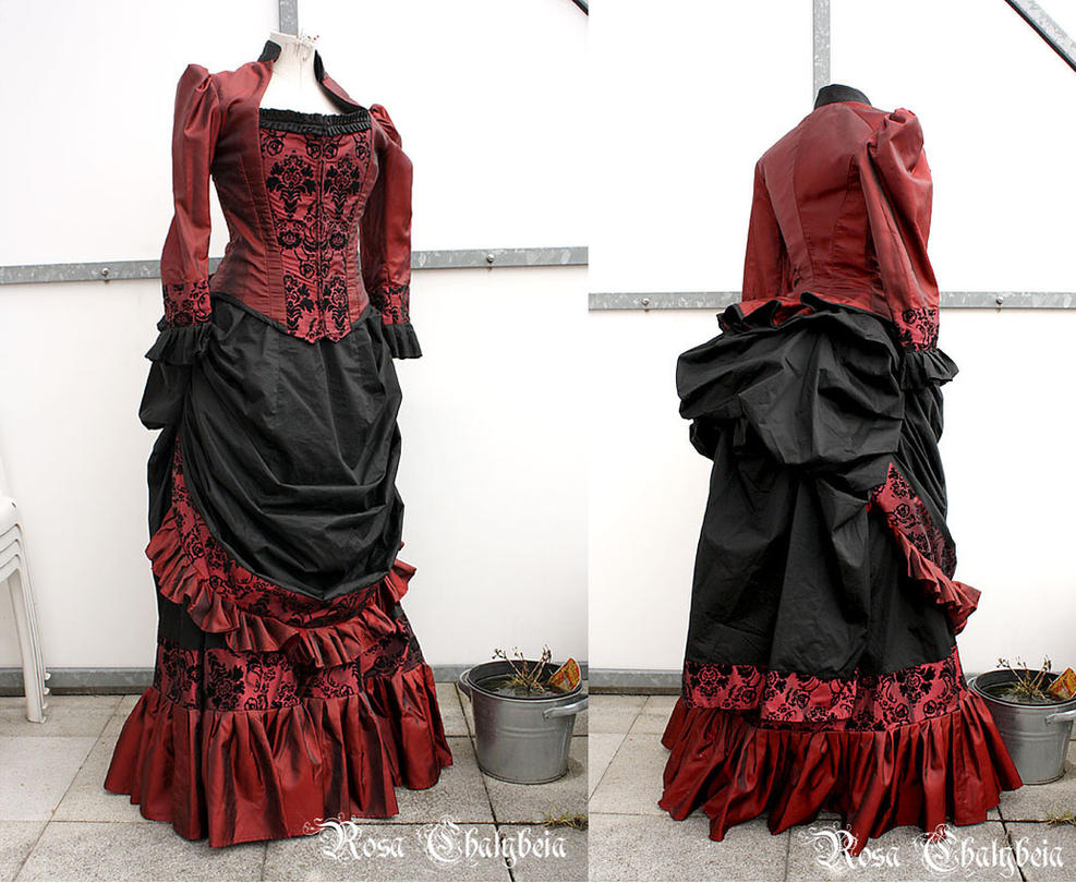 Victorian Dinner Gown in black and burgundy by Stahlrose