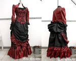 Victorian Dinner Gown in black and burgundy
