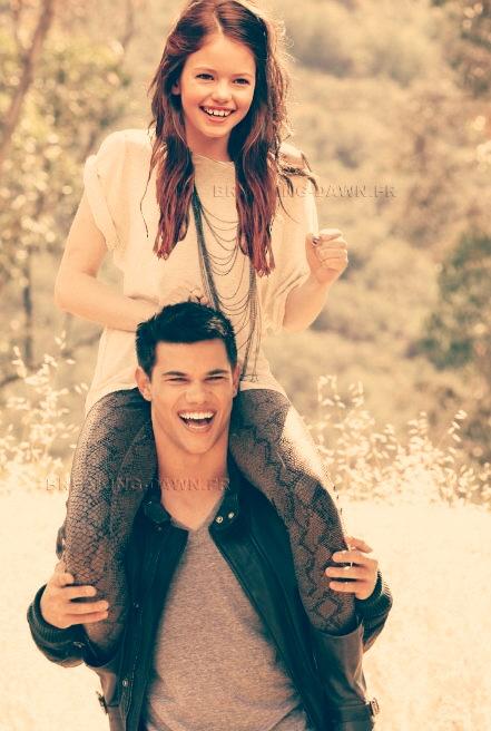 Jacob and Renesmee bonding by NENEnewby