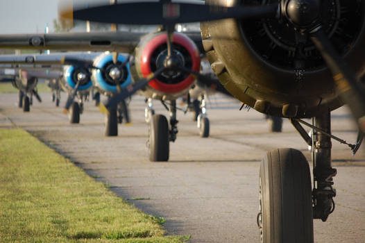 B-25 Engines and Landing Gear - Doolittle 70th