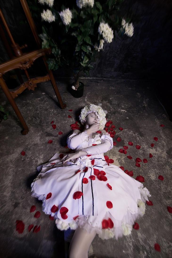 Doll by FransuazaStein