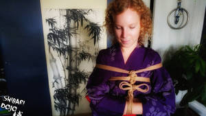 Hands infront Tie with a Kimono