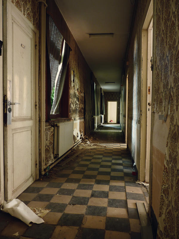 The hall to the nuns' rooms by xNatje