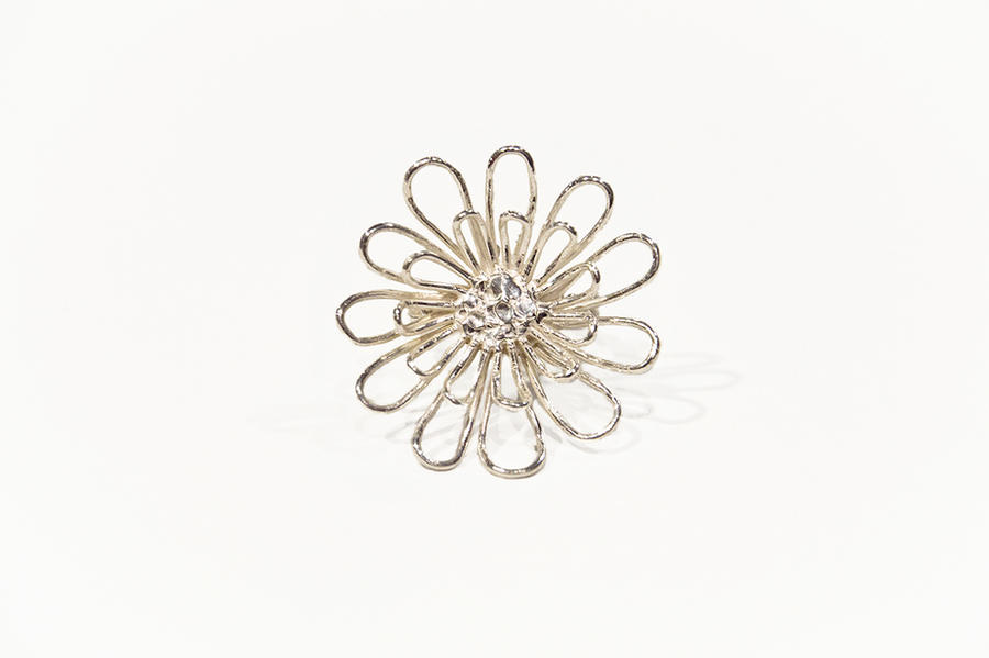 Large flowerring by xNatje